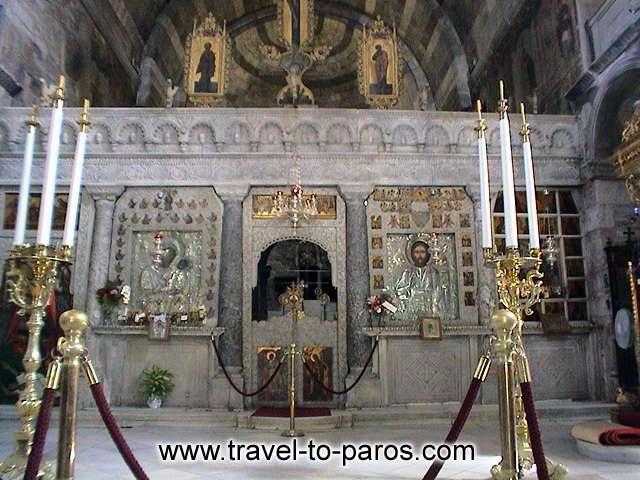 EKATONTAPYLIANI CHURCH - The marble temple of Ekatontapyliani.