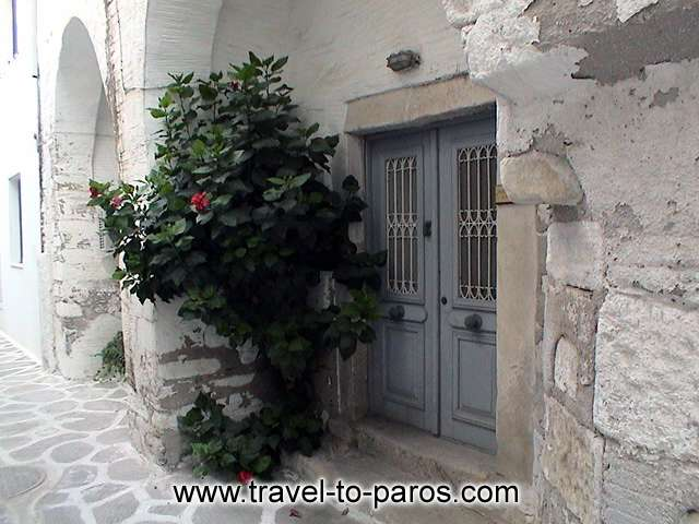 Walking through the alleys of the villages you will admire the local architecture. PAROS PHOTO GALLERY - PAROS