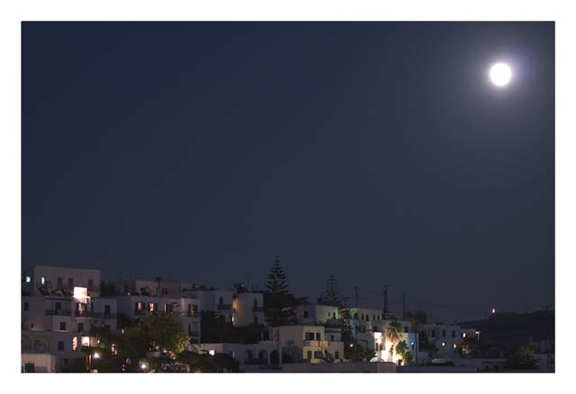 FULL MOON - Full moon and a beautiful night in Naoussa, Paros.