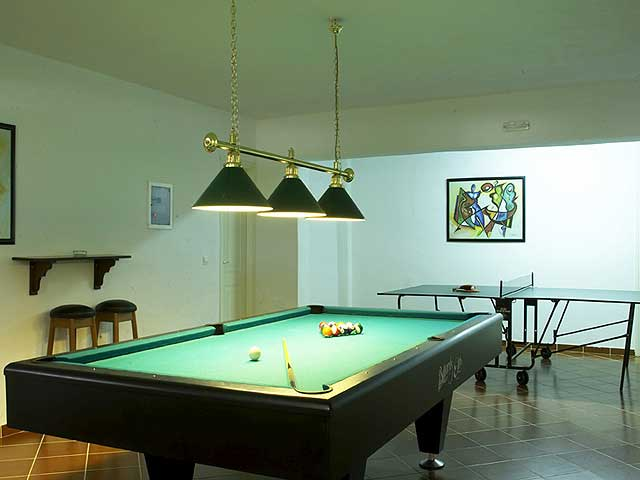 Billiard in games room CLICK TO ENLARGE