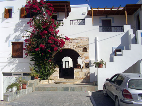 LA CELESTINA APARTMENTS IN  Naoussa  (Agios Georgios)
